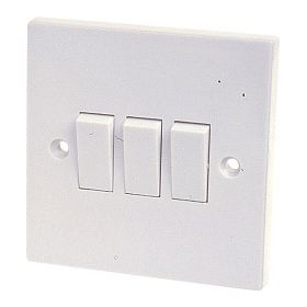 Dencon 10A, 3 Gang 2 Way Switch to BS3676 Skin Packed 568879